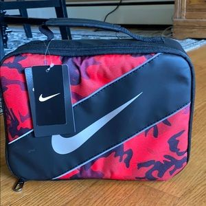 Nike camo lunch bag. NWT